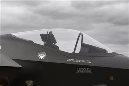 A view shows the cockpit of the Lockheed Martin F-35 Lightning II at the Australian International Airshow in Melbourne March 2, 2011. REUTERS/Mick Tsikas