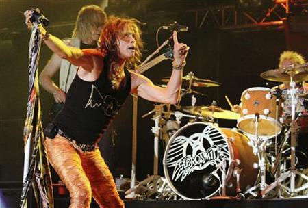 Singer Steven Tyler of Aerosmith performs during a concert in La Guacima de Alajuela June 1, 2010. REUTERS/Carlos Leon