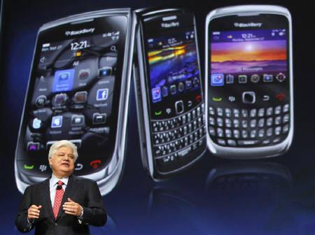 Mike Lazaridis, president and co-chief executive officer of Research in Motion, speaks at the RIM Blackberry developers conference in San Francisco, California September 27, 2010. REUTERS/Robert Galbraith/Files