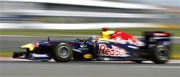 """Piloto da Red Bull Sebastien Vettel durante primeira sessão de treino livre do Grande Prêmio do Canadá. Vettel bateu no """"Muro dos Campeões"""" do circuito de Montreal, nesta sexta-feira, enquanto o alemão Nico Rosberg, da Mercedes, liderou o treino.  10/06/2011  REUTERS/Mathieu Belanger"""