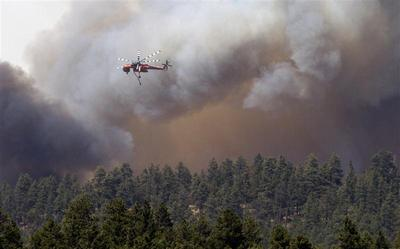 Arizona wildfire rages