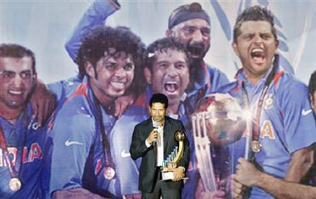 India's Sachin Tendulkar speaks to a gathering after receiving India's Best Cricketer of the year 2009-10 award during the BCCI (Board of Control for Cricket in India) awards ceremony in Mumbai May 31, 2011. REUTERS/Vivek Prakash
