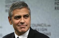 George Clooney fala durante evento no Conselho de Relações Exteriores dos EUA, em Washington. 12/10/2010 REUTERS/Molly Riley