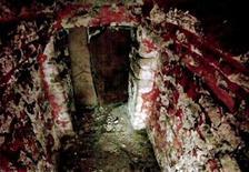 O interior do túmulo de um líder da civilização maia, selado há mais de 1.500 anos, no sul do México. 23/06/2011          REUTERS/Ho New/Instituto Nacional de Antropologia e História do México