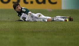 O brasileiro Diego em partida de torneio alemão pelo Wolfsburg, em dezembro de 2010. Diego foi dispensado pelo time alemão. 22/12/2010 REUTERS/Christian Charisius