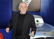 """<p>El actor John Ratzenberger a su llegada al estreno del a cinta """"Cars 2"""", en Hollywood, California, jun 18 2011. """"Cars 2"""", una secuela de Pixar calificada por los críticos como la peor película producida por los estudios de animación pertenecientes a Disney, se ubicó en la primera posición de la taquilla del fin de semana en América del Norte. REUTERS/Gus Ruelas</p>"""