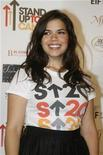 "<p>Foto de archivo de la actriz y protagonista de la exitosa serie ""Ugly Betty"", America Ferrera, durante el evento ""Stan Up To Cancer"" en Hollywood, sep 5 2008. La protagonista de la exitosa serie ""Ugly Betty"", America Ferrera, se casó con su novio Ryan Piers Williams, dijo el martes un representante de la actriz. REUTERS/Fred Prouser</p>"