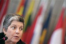 A secretária norte-americana de Segurança Doméstica, Janet Napolitano, em coletiva de imprensa em Viena. Segundo Janet, a maioria dos países não tem um marco legal para governar o espaço cibernético. 01/07/2011 REUTERS/Herwig Prammer