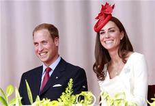 O príncipe William e sua mulher Catherine, a duquesa de Cambridge, participam de uma cerimônia em Ottawa, no Canadá. 01/07/2011 REUTERS/Chris Wattie