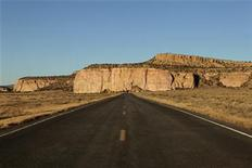 "<p>New Mexico Highway 117 is pictured near the ""El Malpais"" National Monument near Grants, New Mexico November 24, 2009. REUTERS/Lucas Jackson</p>"