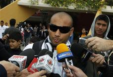 Lateral brasileiro Jonathan, ex-Santos, em foto de arquivo de maio de 2011 no Paraguai. REUTERS/Jorge Adorno