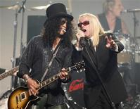 <p>Rock guitarist Slash (L) and Robin Zander of Cheap Trick perform at the MusiCares MAP Fund benefit concert in Hollywood, California May 9, 2008. REUTERS/Fred Prouser</p>