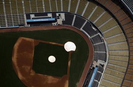 A view shows the Dodger Stadium in Los Angeles, California July 16, 2011. REUTERS/Eric Thayer