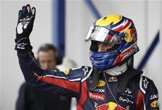Australiano Mark Webber, da Red Bull, comemora após garantir a pole position para o Grande Prêmio da Alemanha de Fórmula 1. REUTERS/Alex Domanski