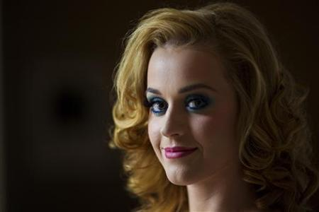 Singer Katy Perry poses for a portrait in New York July 24, 2011. REUTERS/Lucas Jackson