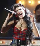 Foto de arquivo da cantora britânica Amy Winehouse num show em Londres em 2008. REUTERS/Alessia Pierdomenico