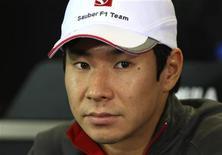 Piloto japonês Kamui Kobayashi da Sauber, durante coletiva de imprensa em março, antes do Grande Prêmio da Austrália, em Melbourne. Kobayashi e o mexicano Sergio Pérez seguirão competindo pela Sauber na próxima temporada na Fórmula 1, anunciou nesta quinta-feira a equipe suíça.  27/03/2011   REUTERS/Scott Wensley