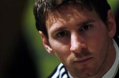 O atacante Lionel Messi em coletiva de imprensa na Argentina em 14 de julho de 2011. Messi criticou o cancelamento do amistoso da Argentina com a Romênia que seria realizado em agosto. 14/07/2011 REUTERS/Marcos Brindicci
