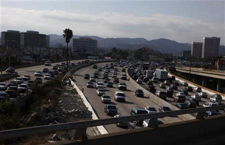 Traffic on the 405 freeway in Los Angeles, July 14, 2011. REUTERS/Eric Thayer