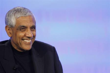 Vinod Khosla, founder of Khosla Ventures, smiles during the Fortune Brainstorm Green conference in Dana Point, California April 13, 2010.   REUTERS/Mario Anzuoni