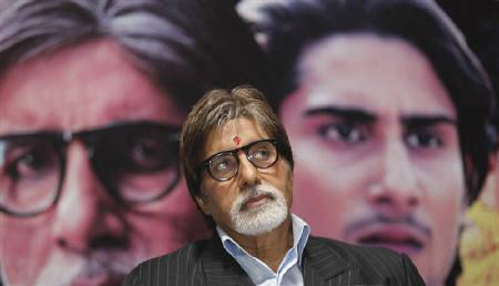 Bollywood actor Amitabh Bachchan attends a news conference to promote his forthcoming movie ''Aarakshan''in Kolkata July 27, 2011. The movie is directed by Prakash Jha and is scheduled to release on Aug. 12. REUTERS/Rupak De Chowdhuri