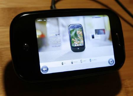The Palm website is seen on the Palm Pre smartphone at the annual Consumer Electronics Show (CES) in Las Vegas, Nevada January 8, 2009. REUTERS/Rick Wilking/Files