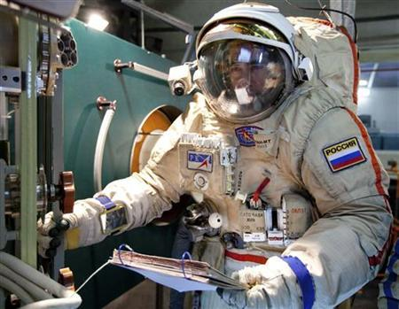 Russian cosmonaut Anatoly Ivanishin takes part in a training session at the Star City space centre outside Moscow August 8, 2011. REUTERS/Sergei Remezov