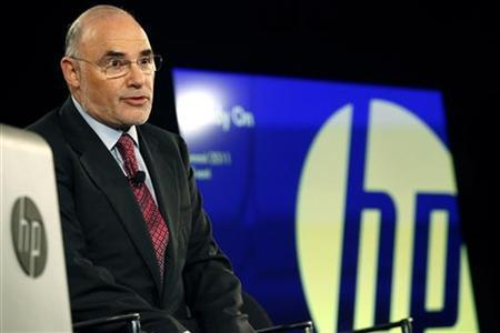 HP CEO Leo Apotheker speaks to the press after delivering the keynote address at the HP Summit in San Francisco, California March 14, 2011. REUTERS/Stephen Lam
