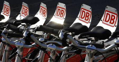 Rental bicycles of German railway Deutsche Bahn (DB) AG are seen in downtown Frankfurt, March 8, 2011. REUTERS/Kai Pfaffenbach/Files