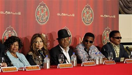 Katherine Jackson (L) with her children La Toya, Tito, Jackie and Marlon attend a news conference to announce a tribute concert for the 40th anniversary of the late pop star Michael Jackson's career in Beverly Hills, California July 25, 2011. REUTERS/Mario Anzuoni