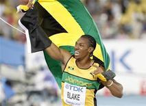 O jamaicano Yohan Blake comemora vitória nos 100 metros rasos finais no Campeonato de Daegu. 28/08/2011 REUTERS/Kim Kyung-Hoon