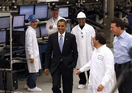 President Barack Obama tours Solyndra, Inc., a solar panel manufacturing facility in Fremont, California May 26, 2010. REUTERS/Kevin Lamarque