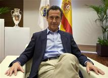 Former Real Madrid's director general Jorge Valdano during an interview with Reuters, July 13, 2009.   REUTERS/Paul Hanna