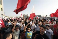 People shout anti-government slogans during a rally held by the main opposition al-Wefaq party in Budaiya, west of Manama September 9, 2011.     REUTERS/Hamad I Mohammed