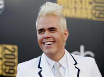 Perez Hilton nos American Music Awards de 2009 em Los Angeles. O blogueiro está seguindo uma espécie de caminho familiar. Ele ampliou seu trabalho de dar informações sobre estrelas de Hollywood com o lançamento de um novo website focado em famílias e filhos de celebridades, chamado Perezitos.com. 22/11/2009   REUTERS/Danny Moloshok