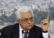 Presidente palestino, Mahmoud Abbas, em discurso televisionado para falar do pedido de reconhecimento como Estado na ONU na próxima semana, em Ramallah, na Cisjordânia. 16/09/2011  REUTERS/Darren Whiteside
