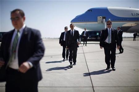 President Barack Obama arrives at Marine Corps Air Station Miramar near San Diego, September 26, 2011. REUTERS/Jason Reed