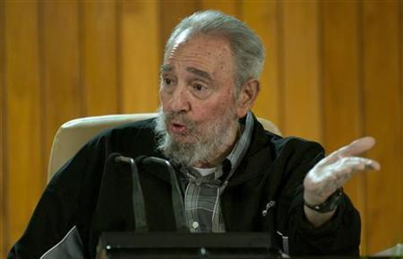 Former Cuban leader Fidel Castro during a meeting with Cuban and foreign intellectuals visiting Havana's international book fair, February 15, 2011. REUTERS/Roberto Chile/Cubadebate/Handout
