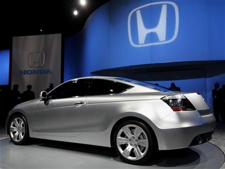 The Honda Accord coupe concept vehicle is introduced at the 2007 North American International Auto Show in Detroit, Michigan, January 8, 2007. REUTERS/Gary Cameron