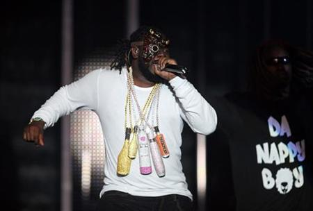 U.S. rapper T-Pain performs during the MTV Africa Music Awards in Lagos December 11, 2010. REUTERS/Akintunde Akinleye
