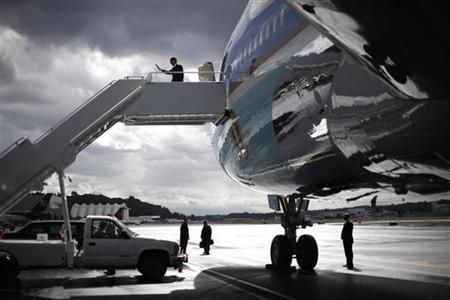 President Obama arrives in Seattle, Washington, September 25, 2011. REUTERS/Jason Reed