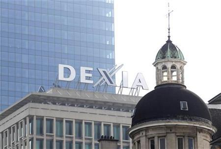 The logo of Belgian-French financial services group Dexia is seen on a building in central Brussels September 27, 2011. REUTERS/Francois Lenoir