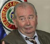 Julio Grondona, presidente da Associação de Futebol da Argentina, em evento em Assunção, no Paraguai, outubro de 2010. Grondona se desculpou pelos insultos que proferiu contra a Inglaterra. 18/10/2010 REUTERS/Jorge Adorno
