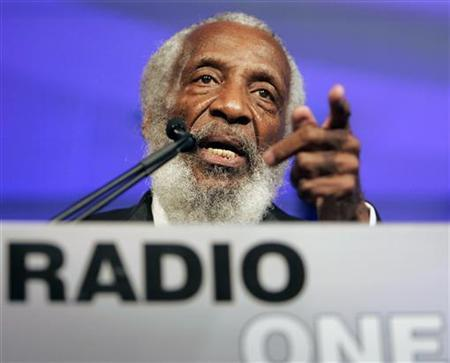 Comedian, social activist, writer and entrepreneur Dick Gregory speaks at the 25th Anniversary Gala of Radio One in Washington August 17, 2006. REUTERS/Joshua Roberts