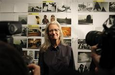 <p>U.S. photographer Annie Leibovitz poses for a picture during a media preview prior to the opening of her exhibition in Moscow October 11, 2011. REUTERS/Sergei Karpukhin</p>