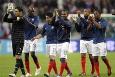 Jogadores da seleção francesa após empatar com a Bósnia para se classificar para a Eurocopa de 2012. 11/10/2011  REUTERS/Benoit Tessier