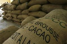 Cocoa bags in a warehouse in Ivory Coast, September 22, 2008.  REUTERS/Luc Gnago