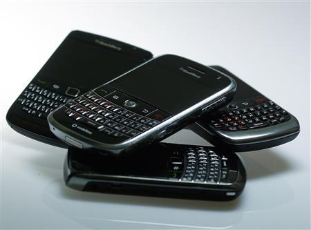 Blackberry smartphones are pictured in this illustration photo taken in Berlin, October 13, 2011.  REUTERS/Michael Dalder