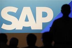 Крупнейший мировой производитель программного обеспечения немецкая SAP сообщила о скачке своих продаж и прибыли в третьем квартале, что несколько снизило опасения рынков относительно замедления роста технологического сектора. 25 мая 2011 г. REUTERS/Alex Domanski