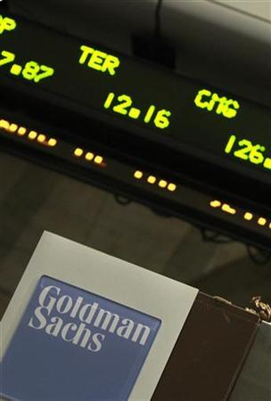 A Goldman Sachs sign is seen at the New York Stock Exchange April 21, 2010.     REUTERS/Brendan McDermid (UNITED STATES - Tags: BUSINESS) TEMPLATE OUT